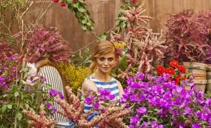 Cintia Dicker estrela campanha de verão da Thelure. Espia o making of