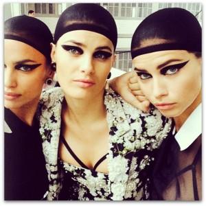 Adriana Lima e outras tops invadem desfile masculino da Givenchy
