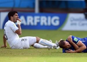 Adidas suspende patrocínio de Luis Suárez depois de mordida em italiano