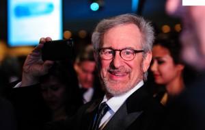 """De Steven Spielberg a Chris Brown: starlets que são """"péssimos"""" vizinhos"""
