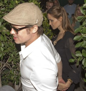 Brad Pitt e Angelina Jolie curtem jantar romântico no restaurante de Robert De Niro