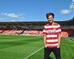Louis Tomlinson, da One Direction, acaba de comprar um time de futebol! Aos fatos
