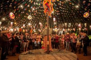 Bingo, comidinhas caipiras… Vem aí a festa junina do Cidade Jardim em parceria com a SKY