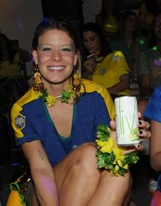 Guta Virtuoso brinda o início do Mundial com LIV. Cheers!
