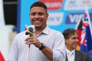 Ronaldo Fenômeno parte com a família para temporada em Ibiza
