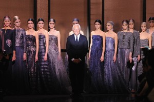 Giorgio Armani completa 80 anos e ganha homenagem de Valentino