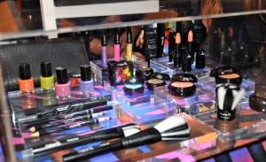Glamurama dá detalhes dos produtos da nova Make B. Tropical Colors