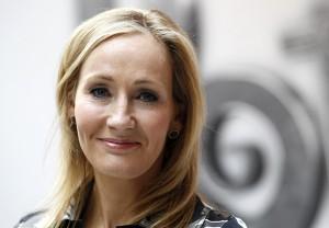 J.K. Rowling bate de frente com patrulha anti-gay no Twitter
