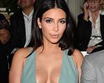 Kim Kardashian com Valentino em Paris. De olho no desfile da maison!