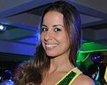Torcedoras apostam no brilho e no metalizado para torcer pelo Brasil
