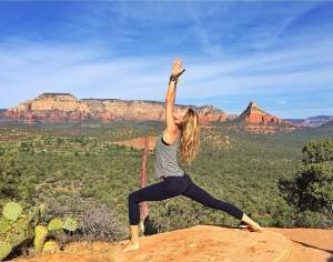Do yoga ao pilates: famosas em momento de postura alinhada. Vem ver!