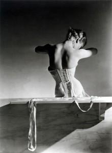 De lingerie a vestidos de luto, três exposições fashion para anotar na agenda