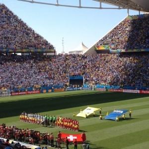 Glamurettes invadem o Itaquerão para assistir Argentina X Suíça