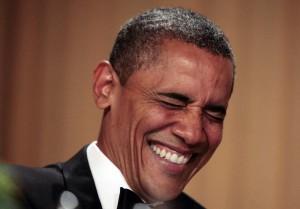 Homem oferece maconha a Obama, que dá risada e rejeita a oferta