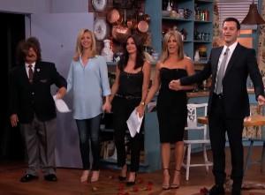 """Alô, saudosos: elenco feminino de """"Friends"""" se reúne em talk show"""