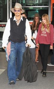 Johnny Depp não conseguiu deixar a filha de 15 anos longe dos holofotes