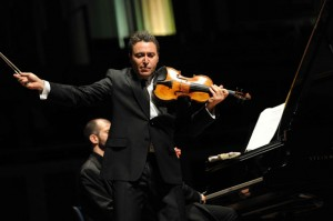 Violonista Maxim Vengerov se apresenta no Theatro Municipal no domingo