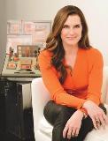 Brooke Shields empresta sua beleza para M.A.C. Aos detalhes!