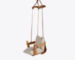 Lá em Casa: cadeira Eames desconstruída vira brincadeira de balanço