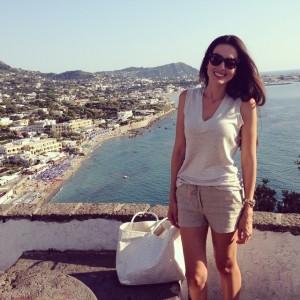 Céu, mar, sol e muito calor… Iara Jereissati em férias pela Itália