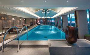 Hotel Shangri-La, em Londres, inaugura piscina mais alta da Europa