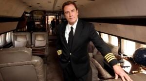 John Travolta abre sua mansão na Flórida, que tem duas pistas de pouso