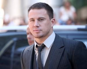 Channing Tatum cria rap que mexe com as partes íntimas. Oi?