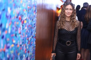 Leilão beneficente de obras de Vik Muniz e Adriana Varejão: aos cliques