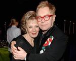 Com Lily Safra e cia., Elton John arma jantar anual de sua fundação