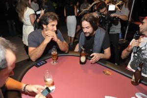 Karavelle anima noite de poker beneficente nos domínios de Dinho Diniz