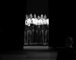 O lado B das Semanas de Moda Internacionais em P&B. Vem espiar