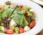 Sugestões de saladas dos restaurantes do Cidade Jardim. Não contém culpa!