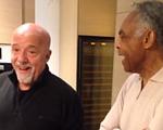 Gilberto Gil e Paulo Coelho fazem dueto em Genebra. Play no vídeo!