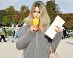 Clique de rua: looks desfilados fora das passarelas na Semana de Moda de Paris
