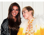 Bruna Marquezine mostra sua porção fã ao posar com Miley Cyrus