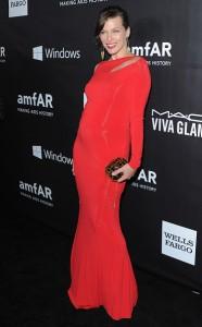 Milla Jovovich é a nova mamãe do pedaço e já sabe o sexo do bebê