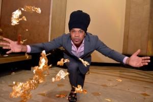 De Oskar Metsavaht a Carlinhos Brown em mostra sobre ouro no Rio