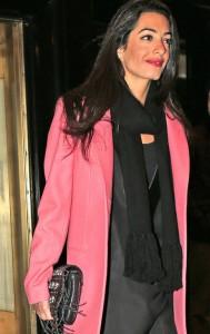 Amal Clooney é eleita a mais influente da Inglaterra, já Kate Middleton…