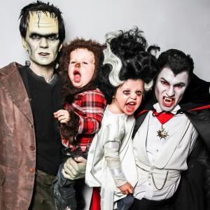 As incríveis fantasias de Halloween da família moderna de Neil Patrick