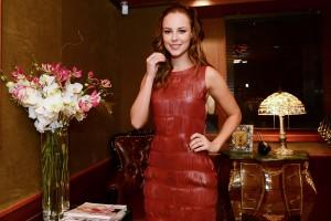 Paolla Oliveira desvenda sua nova personagem, uma prostituta de luxo