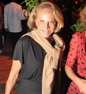 Lenny Niemeyer apresenta seu alto-verão para glamurettes em SP
