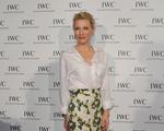 Cate Blanchett investe na camisa branca no look festa. Quem mais usa?