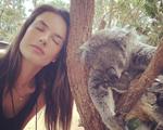 Embarque para a Austrália com as fotos de Alessandra Ambrósio