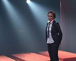 Andrea Beltrão dubla Donna Summer e Michael Jackson em peça