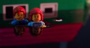"""Campanha viral do Greenpeace dá resultado e Lego """"briga"""" com Shell"""