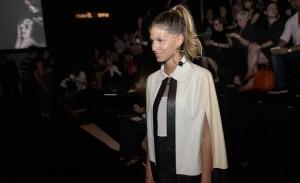 Fila A, desfile e backstage de Gloria Coelho na semana de moda