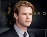 Adam Levine perde o posto de mais sexy do mundo para Chris Hemsworth