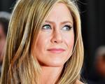 Chega ao Brasil marca de Jennifer Aniston com produtos para cabelo