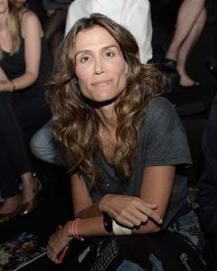 Carola Diniz se apaixona por look de Gloria Coelho e já sabe onde usar
