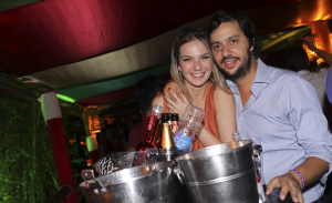 Agito pós-ceia na festa Noite Feliz da Multicase na Vila Olímpia